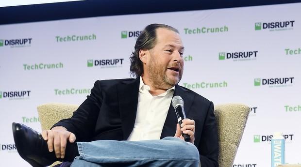 Com a aquisição avaliada em US$ 27,7 bilhões, Slack se torna a interface oficial da Salesforce