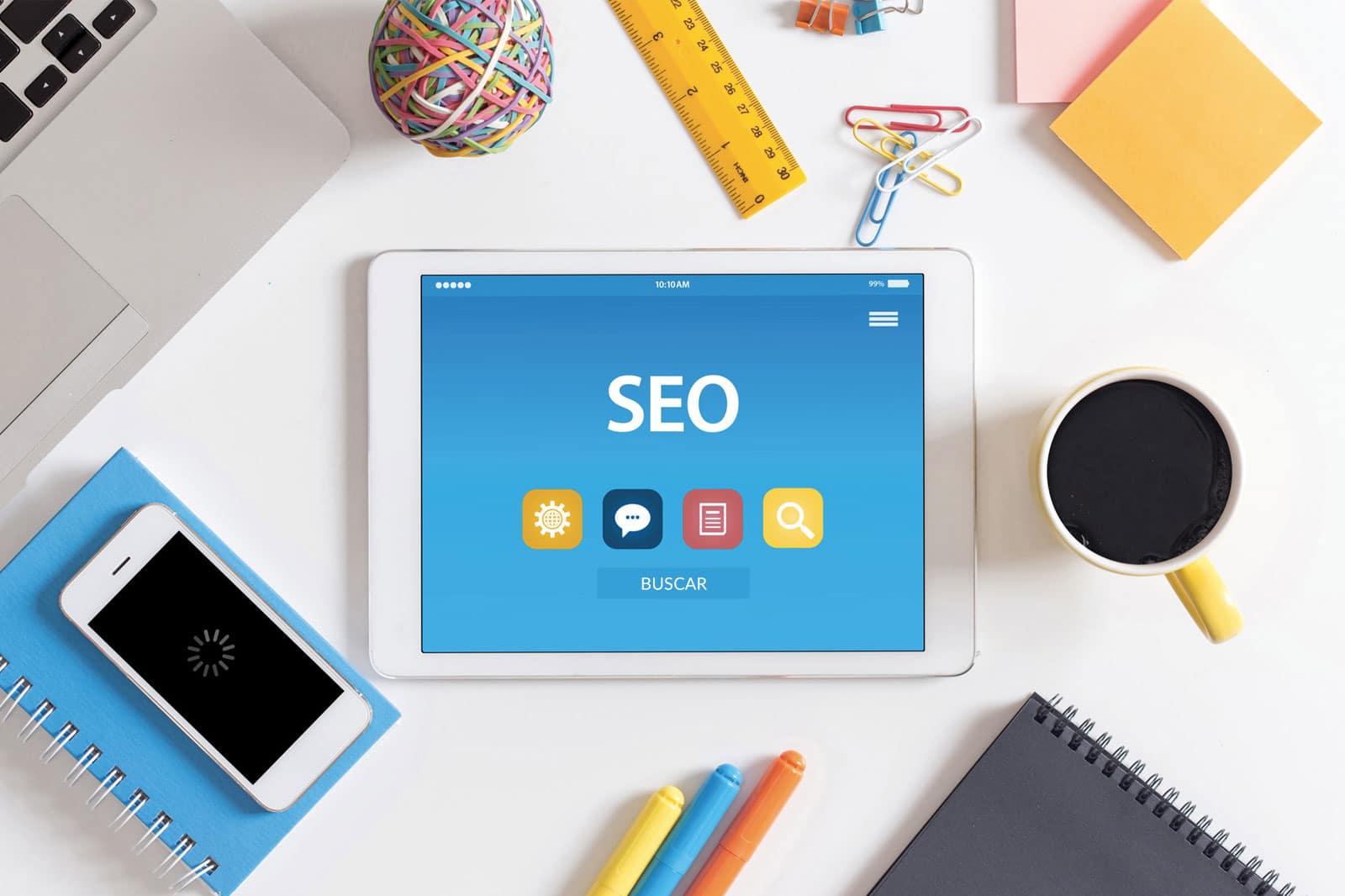 O SEO é o conjunto de estratégias e práticas que busca dar <p><span>visibilidade</span></p> para posicionar sites em buscadores.