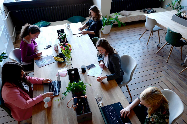 O que a compra do Slack pela Salesforce significa para o ambiente de trabalho