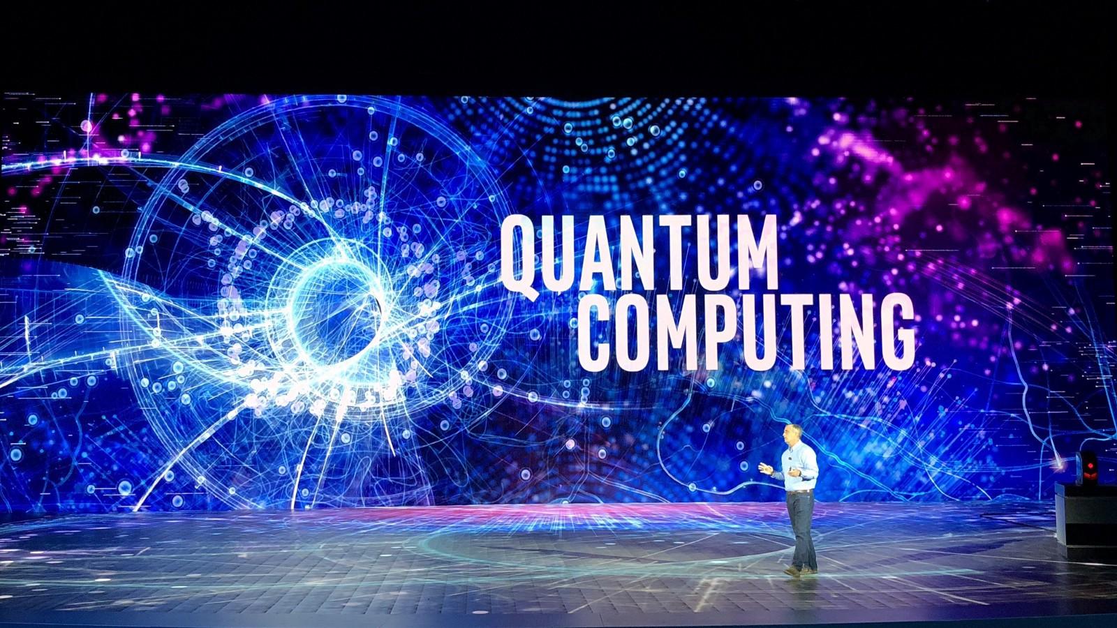 A computação quântica, se diferencia das anteriores pelo sua capacidade de <p><span>resolver problemas</span></p> em um pequeno espaço de tempo em operações binárias.