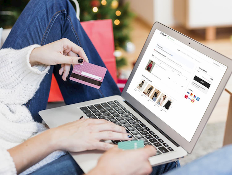 No intuito de dar um novo rumo, empresas tem investido em <p><span>E-Commerce.</span></p>