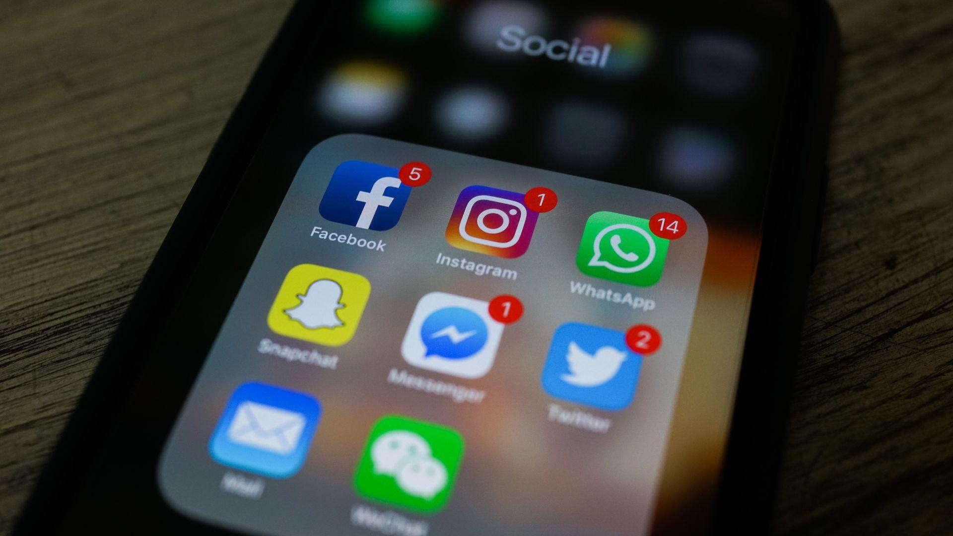 Principalmente por conta da pandemia da covid-19, as redes sociais se tornaram principal local para as marcas e digital influencers divulgarem seus produtos.